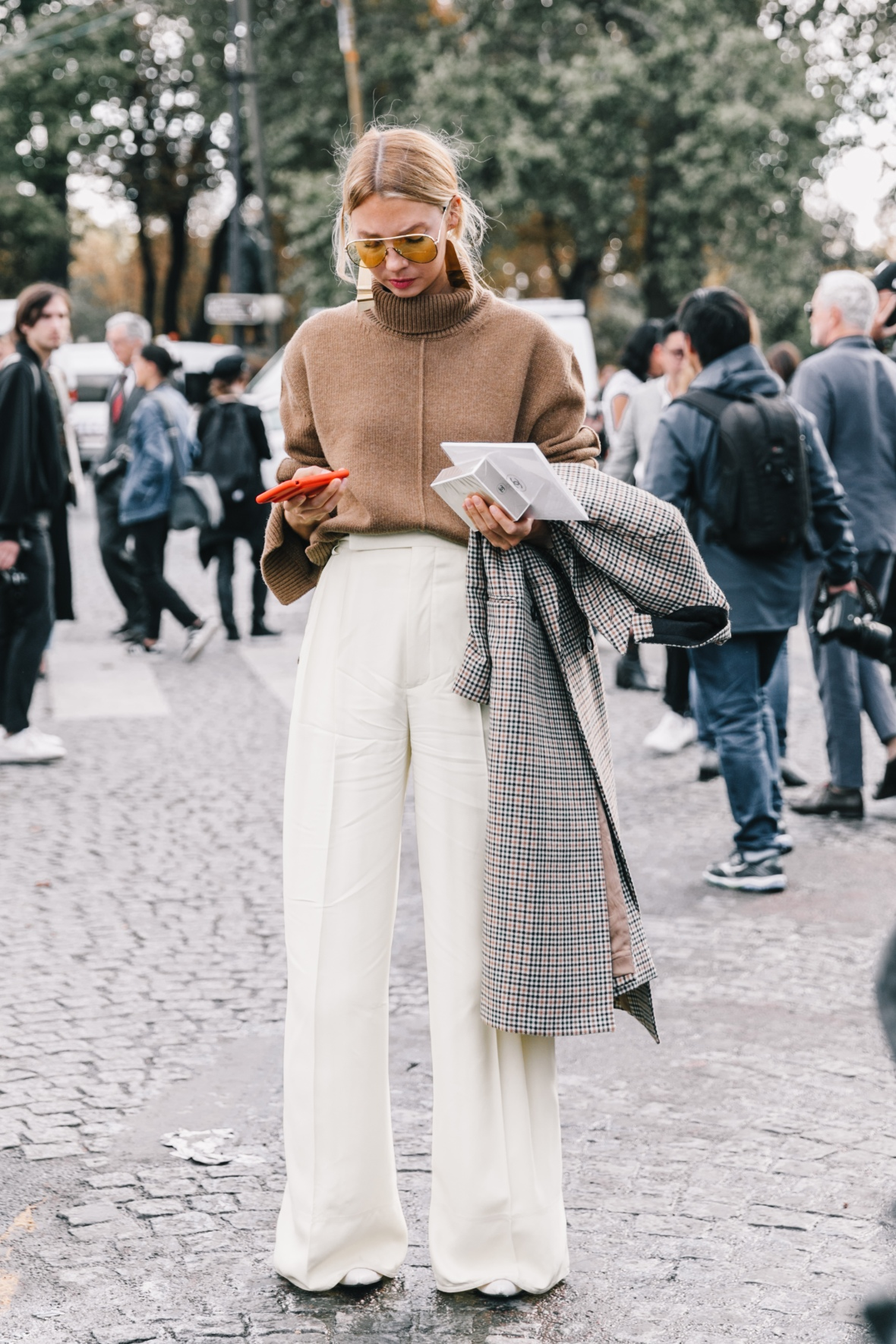 PFW-SS18-Paris_Fashion_Week-Street_Style-Vogue-Collage_Vintage-3-1
